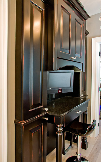 Bedford Glazed Latte and Cumberland Distressed Black with Merlot traditional-kitchen-cabinets