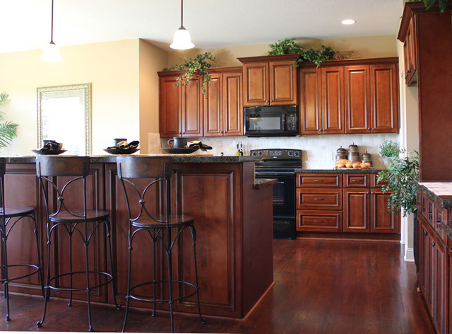 maple kitchen cabinets traditional kansas city by cabinet giant