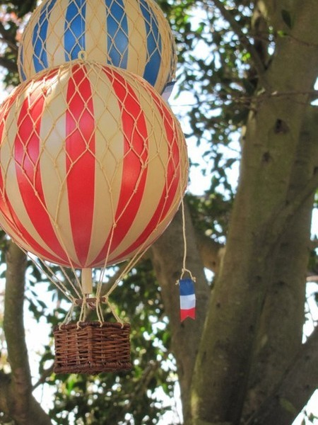 Hot air balloon decor fly away with me contemporary for Air balloon decoration