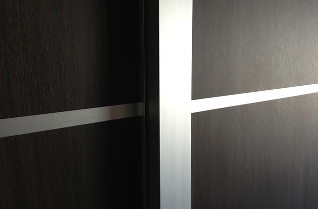 Woodgrains Sliding Closet Doors Room Dividers Modern Interior Doors Los Angeles By