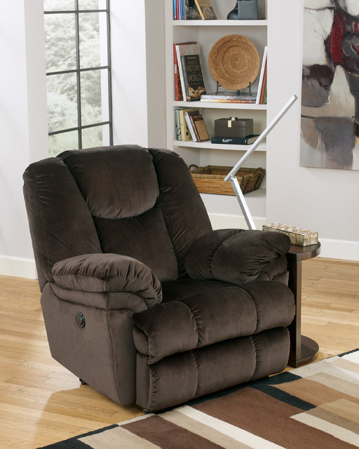 Recliners traditional-living-room-chairs