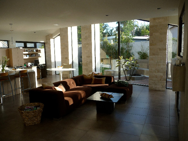 PRIVATE RESIDENCE, SEAL BEACH contemporary-living-room
