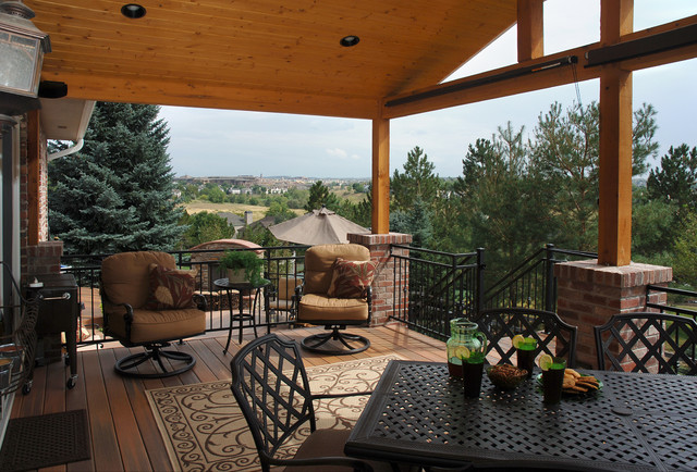 Outdoor Living with Curve appeal traditional