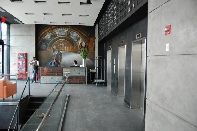 Z HOTEL NY modern-entry