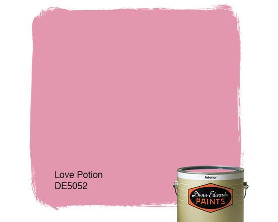 Dunn-Edwards Paints Creamy Love Potion DE5052 -