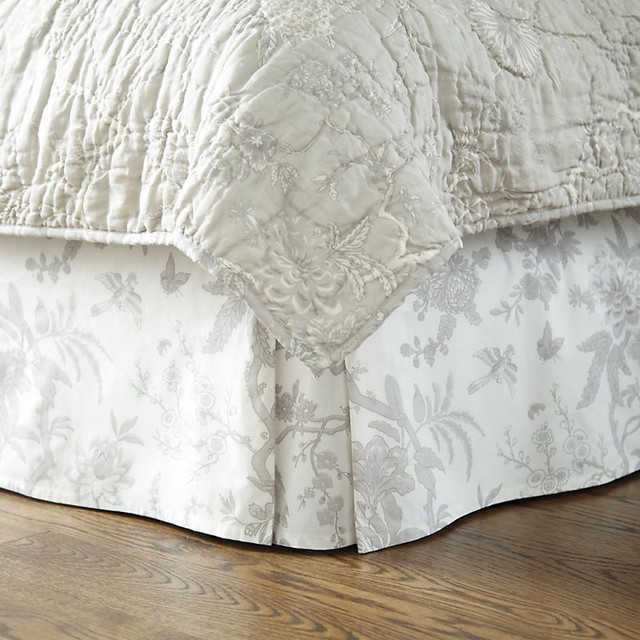 Jardin toile bedskirt gray full traditional for Toile tendue jardin