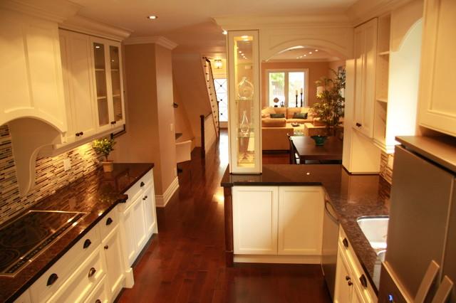 Kitchen 73 traditional-kitchen