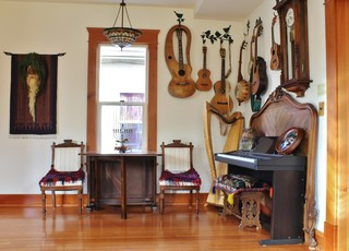 home improvement tips to create a retro room for music, using instruments