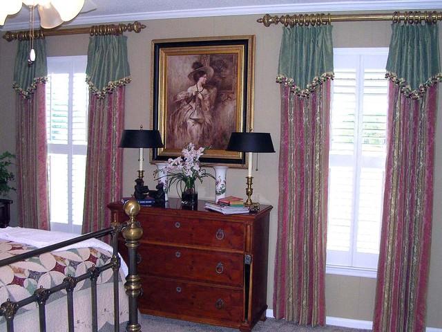 Window Treatments traditional-bedroom