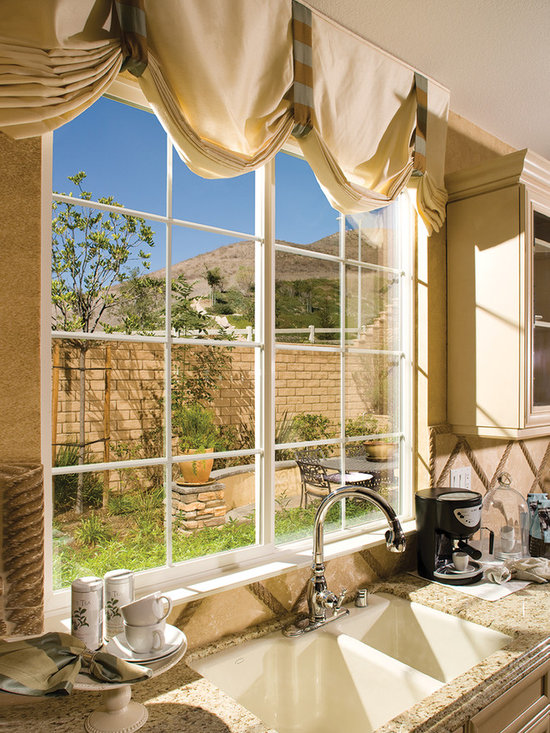 Interior Shots for Window Installs - Kitchen with A View - Milgard Product Catalog