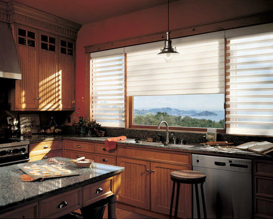 Pirouette® window shadings with EasyRise™ cord loop - Hunter Douglas Pirouette® Collection Copyright © 2001-2012 Hunter Douglas, Inc. All rights reserved.