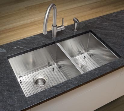 3 Bowl Kitchen Sink : All Products / Kitchen / Kitchen Fixtures / Kitchen Sinks