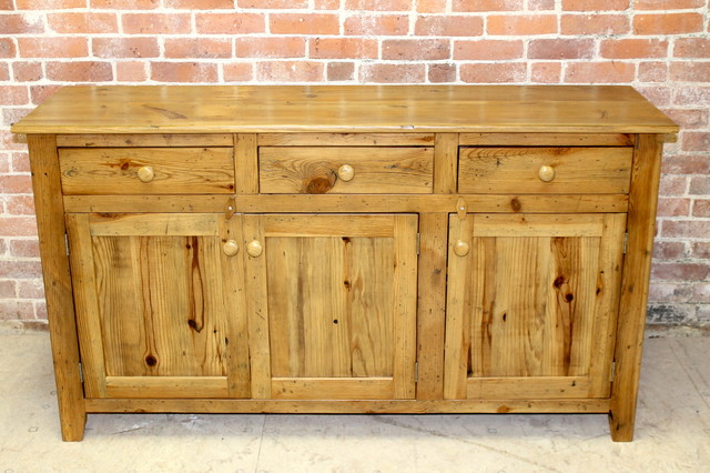 Reclaimed Pine Buffet Rustic Buffets And Sideboards