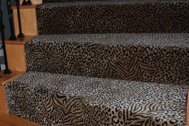 Carpeted Staircase carpet-tiles