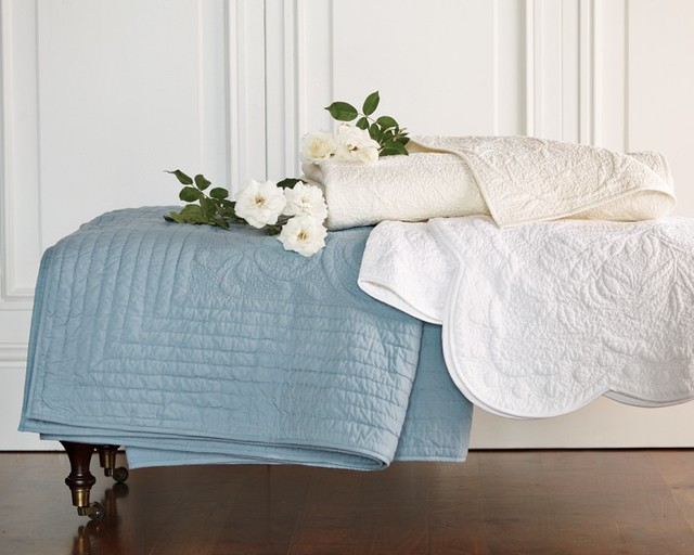 Boutis quilt traditional quilts and quilt sets by williams sonoma for Boutis turquoise