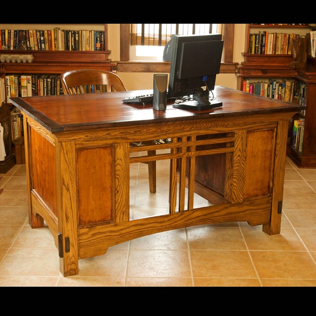 Arts and crafts desk traditional furniture for Art and craft workstation