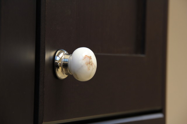 Stone White king Cabinet Mushroom Knob traditional-cabinet-and-drawer-knobs