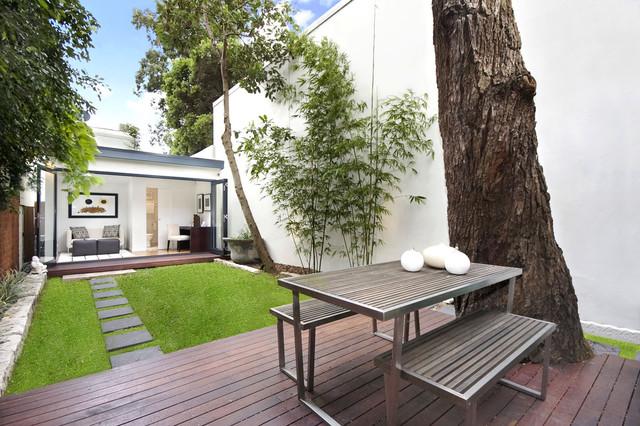Jesmon Terrace contemporary-patio