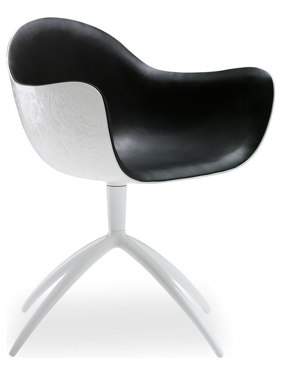 Poliform Venus chair - A project inspired by the fascination of the modernity. Venus chair, design by Marcel Wanders, is a precise choice that expresses a sence of absolute purity.