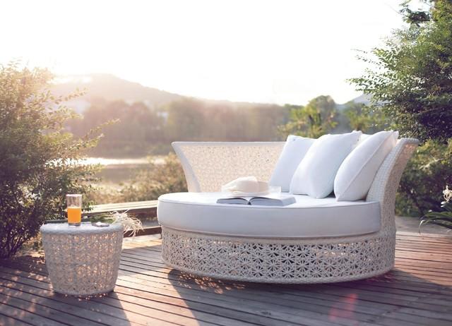 Swivel Garden Daybed Lounger Contemporary Outdoor