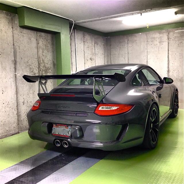 RaceDeck Home Garage Floor - DIY garage Tiles - Wall And ...