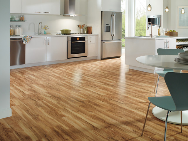 Classic Flaxen Spalted Maple 2 Strip Planks Laminate