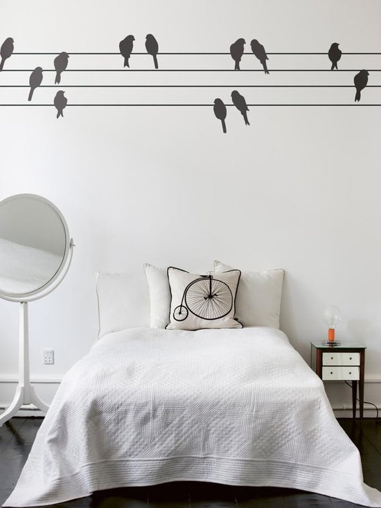 Ferm Living Powerbirds WallSticker - With Ferm Living WallStickers it is easy to create a new look and change the style in a room in a matter of minutes. By using WallStickers, your kids can also help decorate their own room in an array of colors.