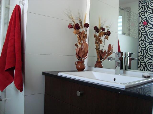 Ba O Blanco Y Negro Vivan Las Flores Modern Bathroom