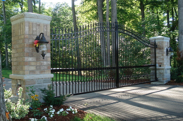 Driveway Gates Traditional Home Fencing And