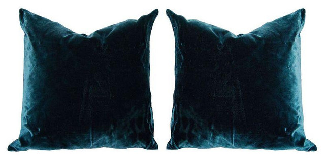 Decorative Pillows Retail : Blue Velvet Throw Pillows - Set of 2 - $450 Est. Retail - $225 on Chairish.com