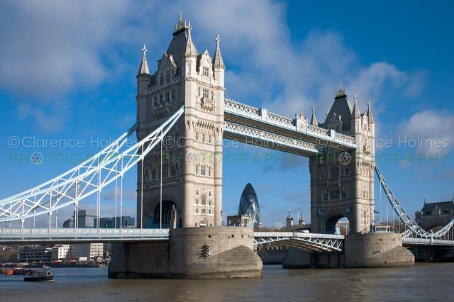 Tower Bridge I contemporary-artwork