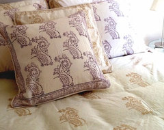 Tilonia Home: King Duvet Set - Fancy Paisley in Gold duvet-covers