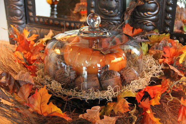 Cake Platter Used For Fall Decorating traditional