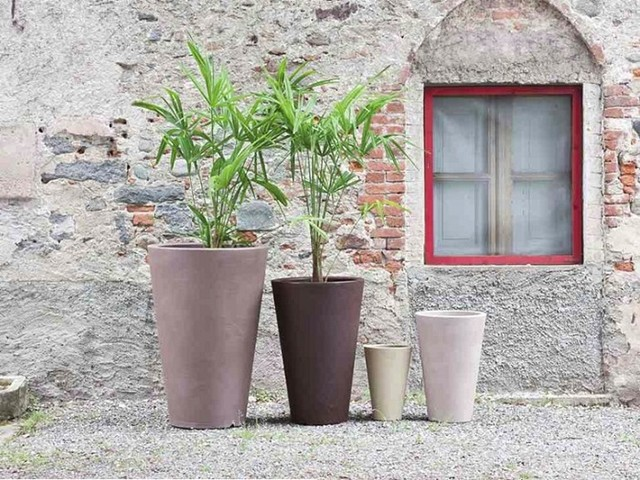 Liscio Siena Outdoor Planters by Serralunga modern-outdoor-pots-and-planters