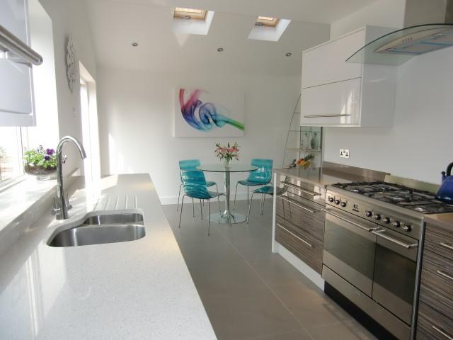 White Reflections Quartz worktops, Caesarstone contemporary-kitchen-countertops