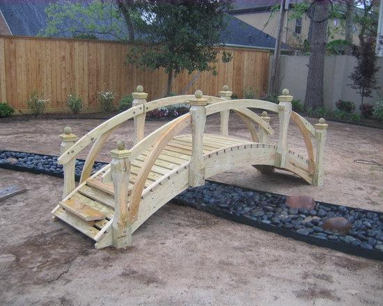Landcape bridges -