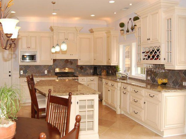 Antique White Kitchen Cabinets Home Design - Traditional ...