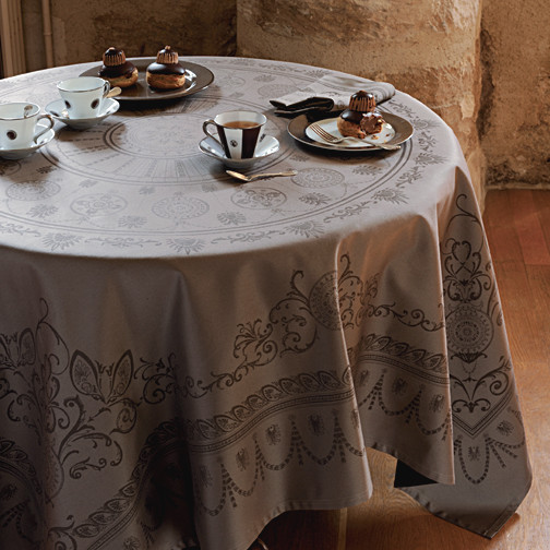 garnier thiebaut eloise sienne table linens gracious style tablecloths by gracious style. Black Bedroom Furniture Sets. Home Design Ideas