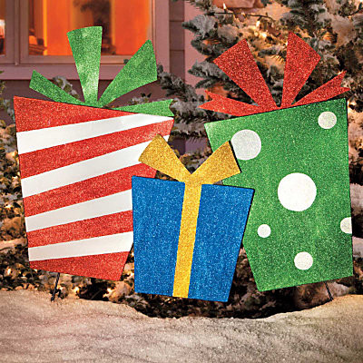 Christmas Presents Trio Outdoor Christmas Decoration contemporary-holiday-decorations