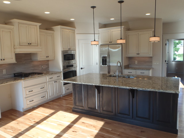 Custom - Traditional 2 Story traditional-kitchen
