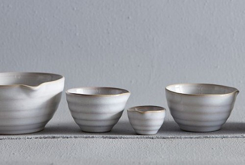 Flow Measuring Cups eclectic-measuring-cups-and-spoons