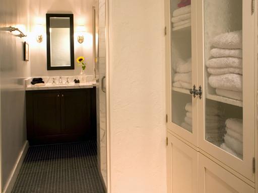 Joesler in the Foothills, Guest Bath traditional-bathroom