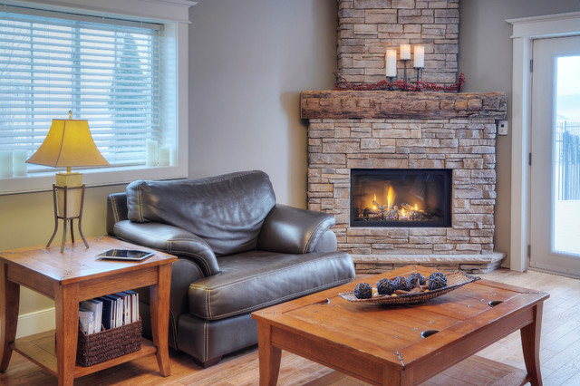 Great Lakes Stone traditional-living-room