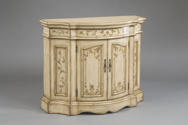 Pulaski Accentrics Belle Console traditional-side-tables-and-end-tables