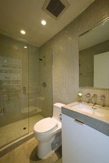 Ehrenclou Architects modern-bathroom
