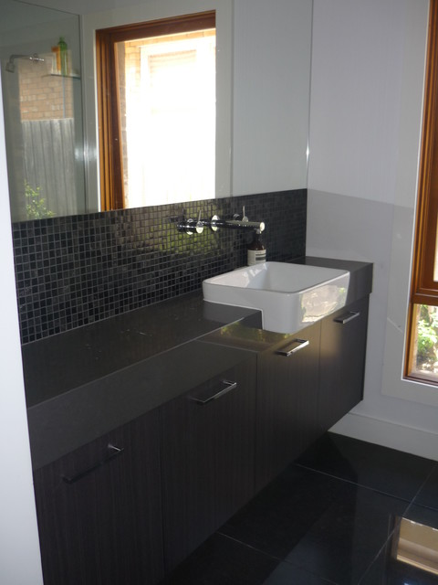 Bowen St contemporary-bathroom