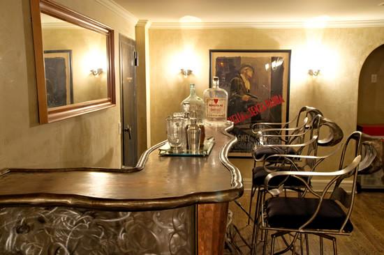 Corona Del Mar modern-family-room