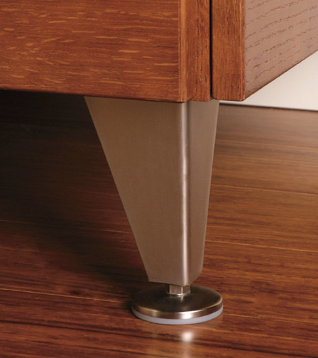 Wellborn Cabinet Accessories - Details make the Difference modern