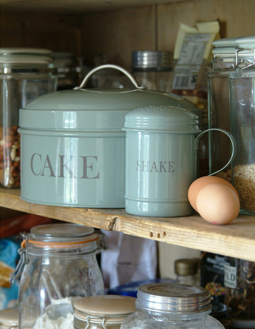 Cake Tin and Flour Shaker, Shutter Blue traditional kitchen tools