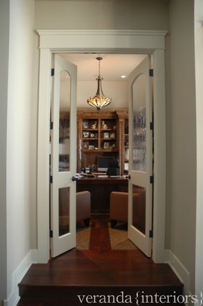 Entry to office off sunken foyer  home office